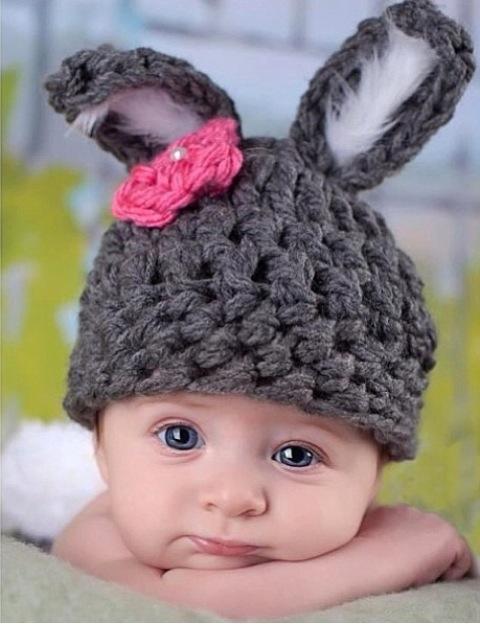 Вяжем детские шапочки с ушками на спицах и крючком: превращаем маленьких непосед в очаровательных